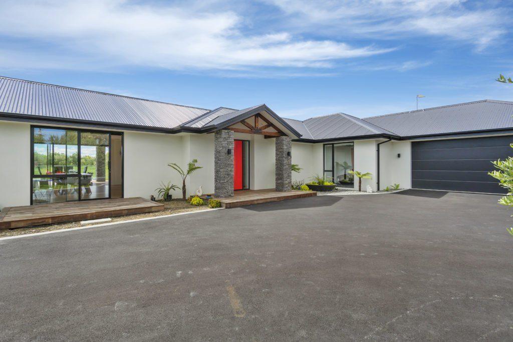 Ohoka-New-Build-double-garage-enterance
