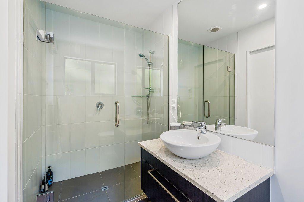 Mccormacks_Bay_Road_Mount_Pleasant-Bathroom-a