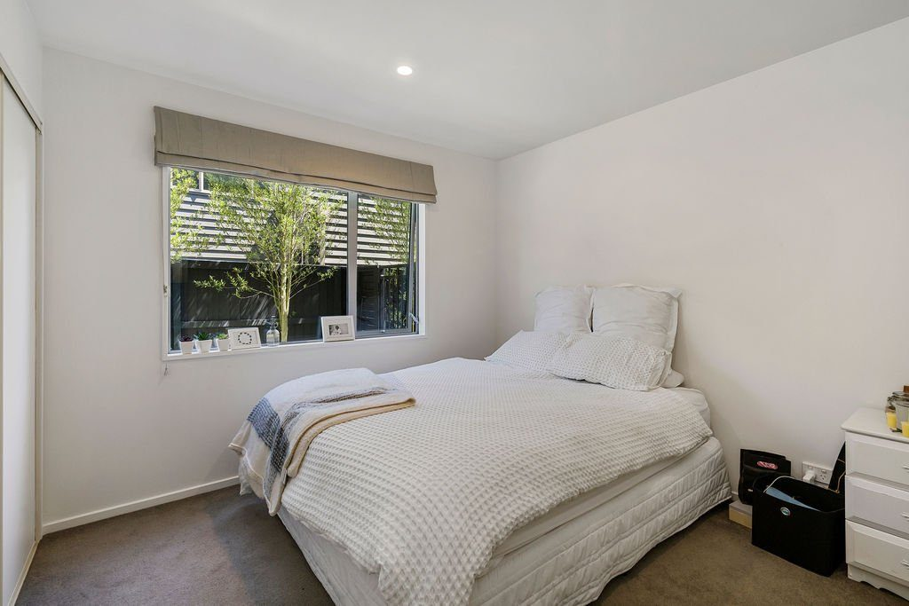 Mccormacks_Bay_Road_Mount_Pleasant-Bed-2